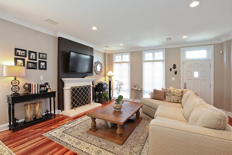 Bucktown - 1633 North Talman Avenue, Chicago, IL 60647 - Living Room