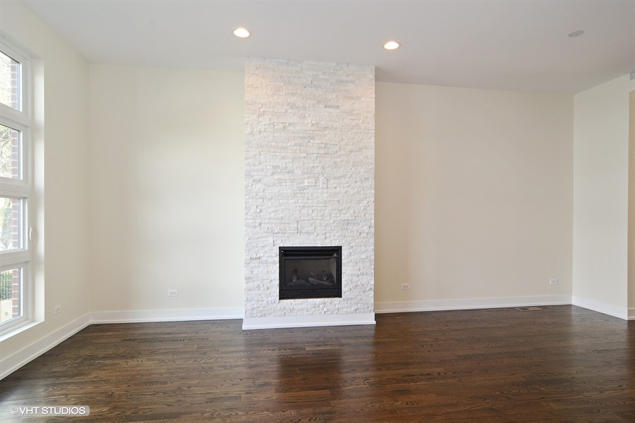 Humboldt Park - 1642 North Richmond Street, Chicago, IL 60647 - Living Room