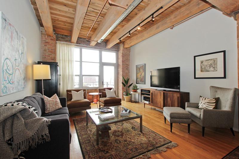 West Loop - 333 South Des Plaines Street Unit 409, Chicago, IL 60661 - Living Room