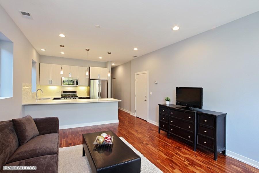 Humboldt Park - 1623 North Washtenaw Unit 2, Chicago, IL 60646 - Living Room