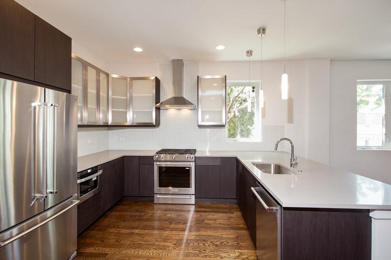 Humboldt Park - 1732 North California Avenue Unit 1 - Chicago, IL 60647 - Kitchen