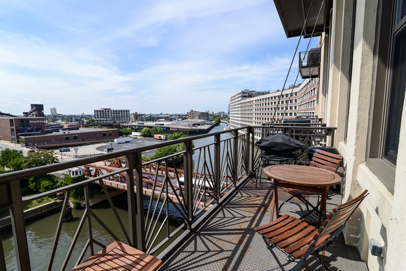 River North - 758 North Larrabee Street Unit 509, Chicago, IL 60654 - Balcony
