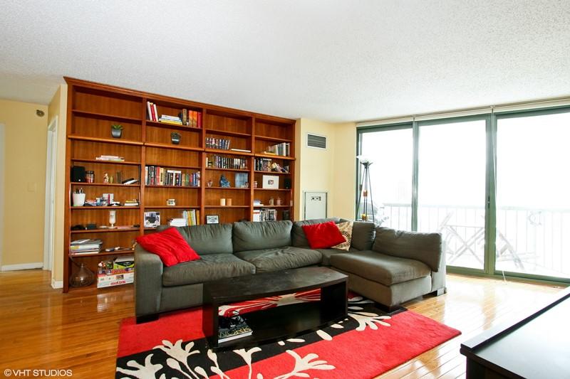 Gold Coast - 111 West Maple Street Unit 1204, Chicago, IL 60610 - Living Room