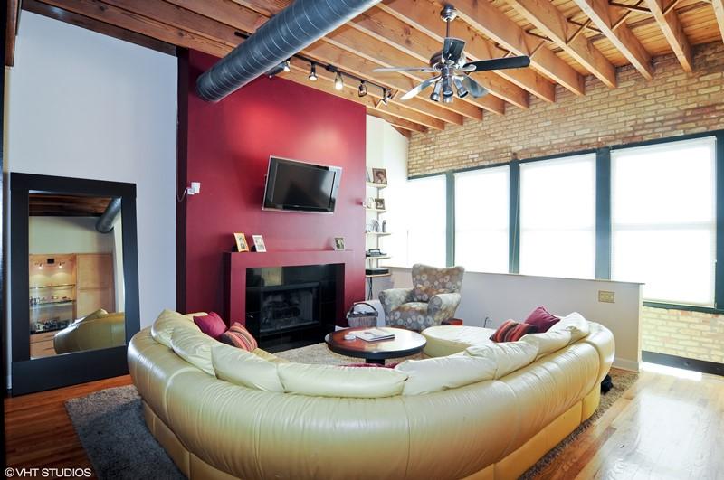 Wrigleyville - 1140 West Cornelia Avenue Unit A, Chicago, IL 60657 - Living Room