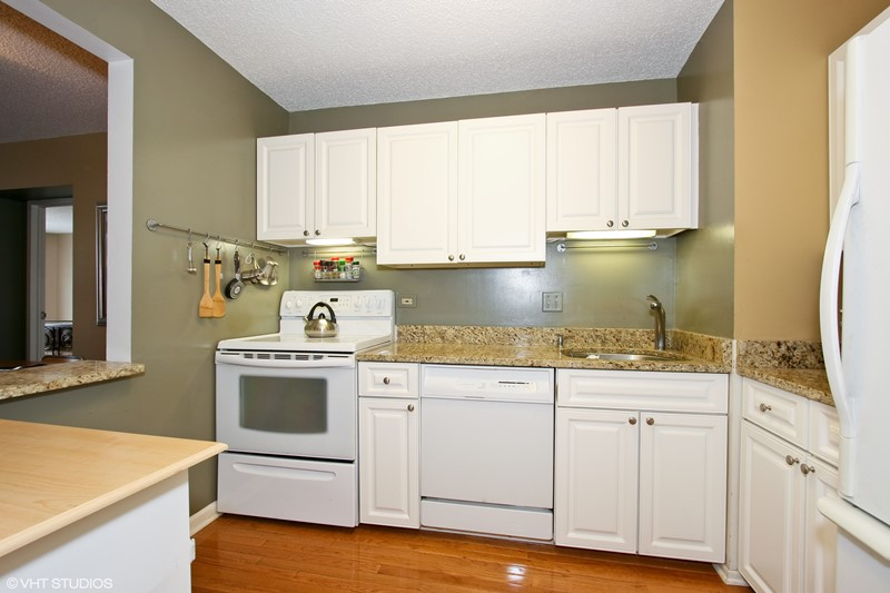 Gold Coast - 111 West Maple Street Unit 1204, Chicago, IL 60610 - Kitchen