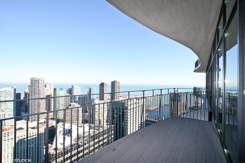Streeterville - 225 North Columbus Drive Unit 5607, Chicago, IL 60601 - Balcony
