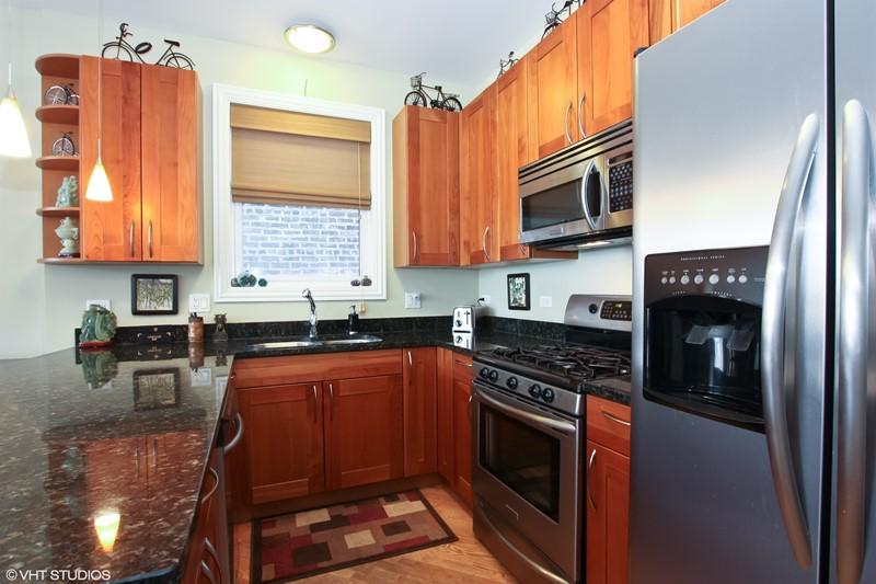 East Village - 933 North Winchester Avenue Unit 2, Chicago, IL 60622 - Kitchen
