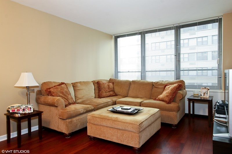 Streeterville - 222 East Pearson Street Unit 905, Chicago, IL 60611 - Living Room
