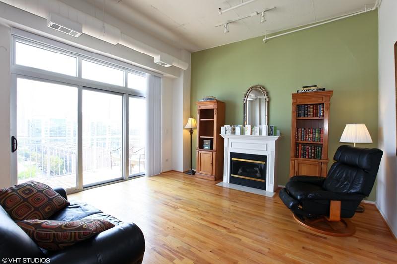 West Loop - 950 West Monroe Street Unit 902, Chicago, IL 60607 - Living Room