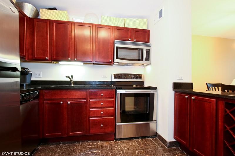 Streeterville - 222 East Pearson Street Unit 905, Chicago, IL 60611 - Kitchen