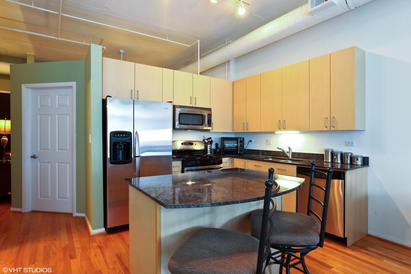 West Loop - 950 West Monroe Street Unit 902, Chicago, IL 60607 - Kitchen