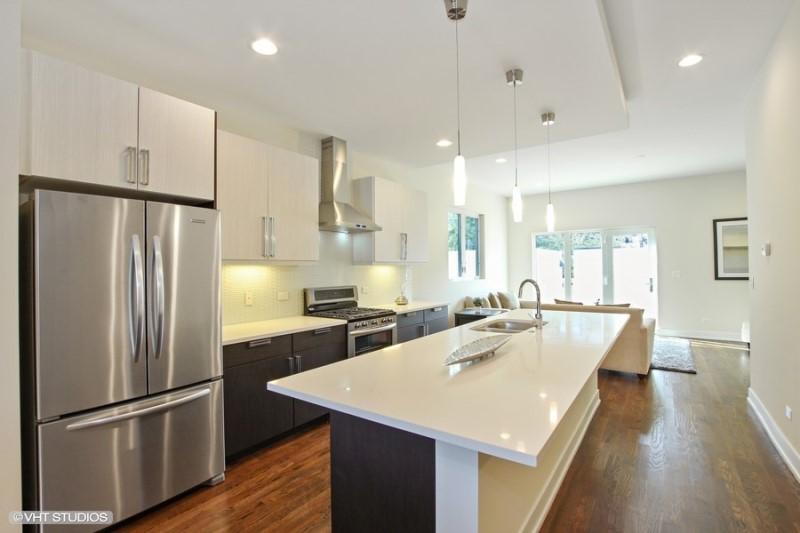 Humboldt Park - 1640 North Richmond Street, Chicago, IL 60647 - Kitchen