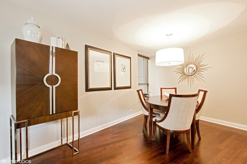 Streeterville - 110 East Delaware Place Unit 502, Chicago, IL 60611 - Dining Room