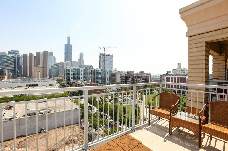 West Loop - 950 West Monroe Street Unit 902, Chicago, IL 60607 - Balcony