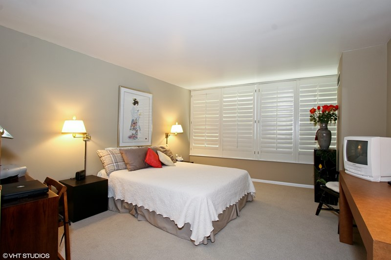 Streeterville - 110 East Delaware Place Unit 1502, Chicago, IL 60611 - Bedroom