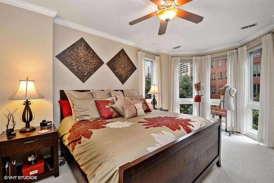 Kinzie Park - 401 North Clinton Street, Chicago, IL 60654 - Master Bedroom