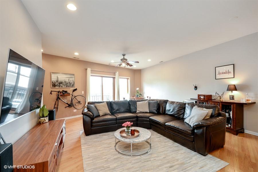 Wicker Park - 1621 West North Avenue Unit 2E, Chicago, IL 60622 - Living Room