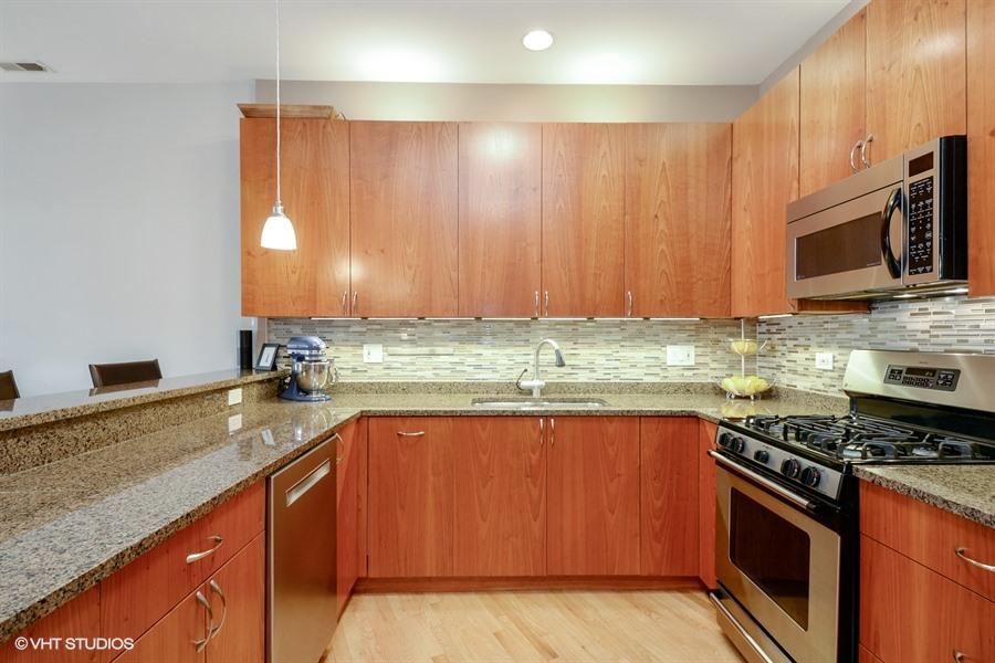 Wicker Park - 1621 West North Avenue Unit 2E, Chicago, IL 60622 - Kitchen