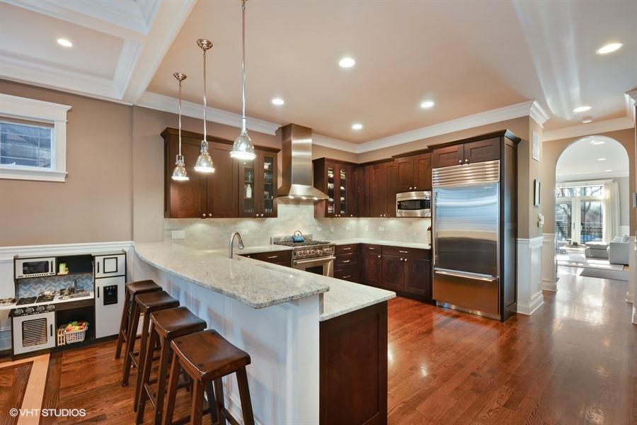 Roscoe Village - 3741 North Damen Avenue Unit 1S, Chicago, IL 60618 - Kitchen