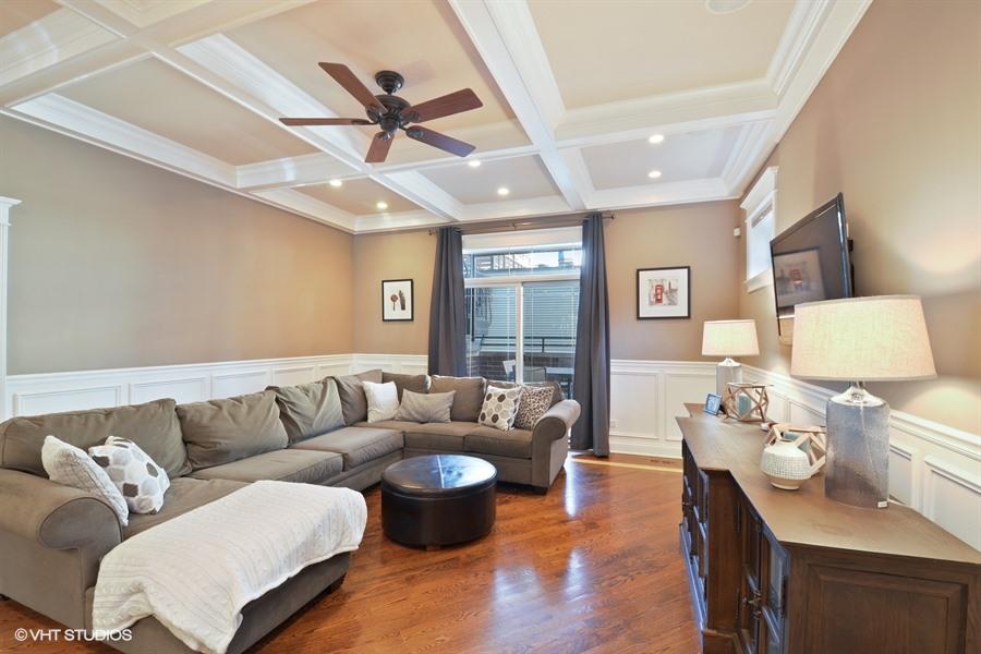 Roscoe Village - 3741 North Damen Avenue Unit 1S, Chicago, IL 60618 - Family Room