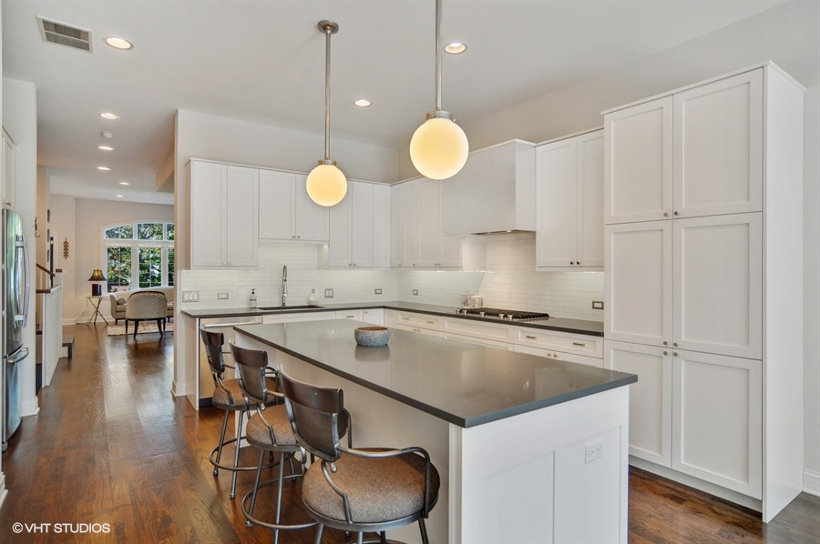 Logan Square - 2635 West Medill Avenue, Chicago, IL 60646 - Kitchen