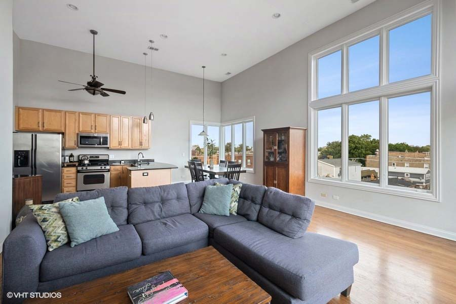 Logan Square - 2402 West McLean Avenue Unit 402, Chicago, IL 60647 - Living Room