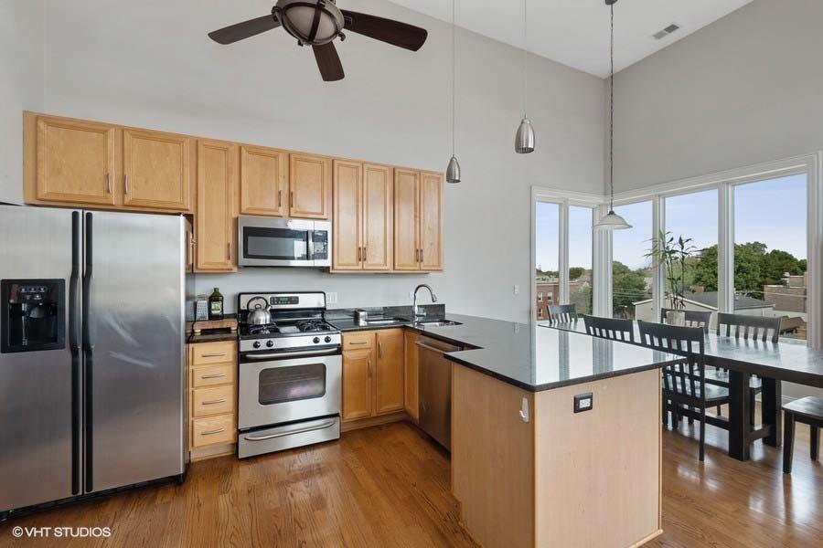 Logan Square - 2402 West McLean Avenue Unit 402, Chicago, IL 60647 - Kitchen