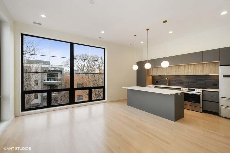 Roscoe Village - 3104 North Damen Avenue Unit 3, Chicago, IL 60618 - Living Room & Kitchen