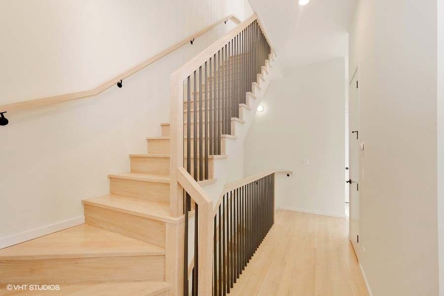 Roscoe Village - 3104 North Damen Avenue Unit 3, Chicago, IL 60618 - Stairs