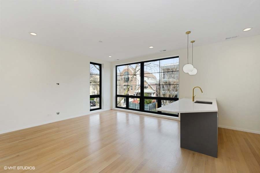 Roscoe Village - 3104 North Damen Avenue Unit 2, Chicago, IL 60618 - Living Room