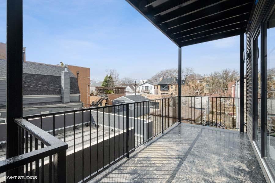 Roscoe Village - 3104 North Damen Avenue Unit 2, Chicago, IL 60618 - Balcony