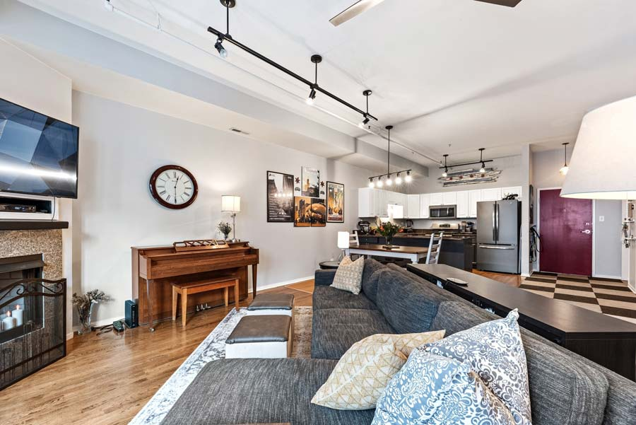 South Loop - 1801 S Michigan Ave Unit 204, Chicago, IL 60616 - Living Room & Kitchen