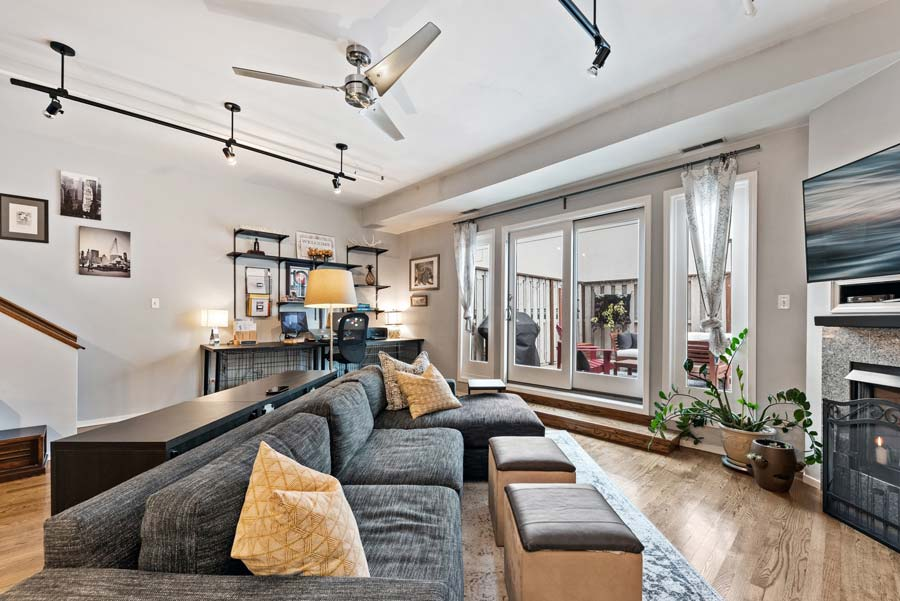 South Loop - 1801 S Michigan Ave Unit 204, Chicago, IL 60616 - Living Room
