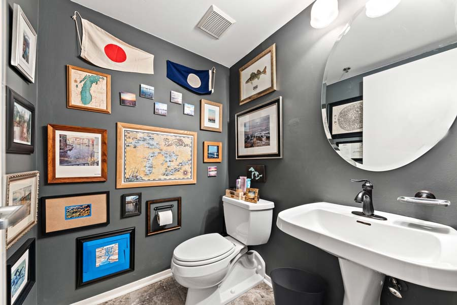 South Loop - 1801 S Michigan Ave Unit 204, Chicago, IL 60616 - Powder Room
