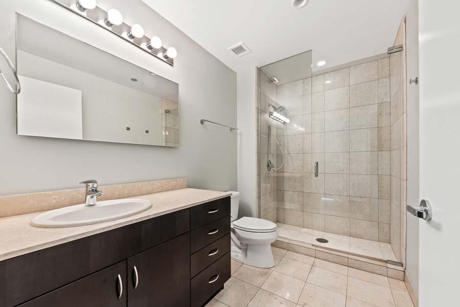 The Loop - 8 East Randolph Street Unit 1808, Chicago, IL 60601 - Bathroom