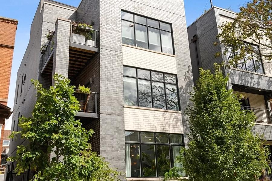 2900 West Lyyndale Street Unit 3, Chicago, IL 60647